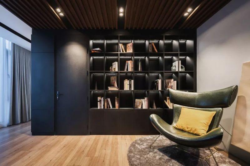 140㎡ 深色系现代公寓, 卧室、书房的墙面这样装太好看了!数控雕刻机